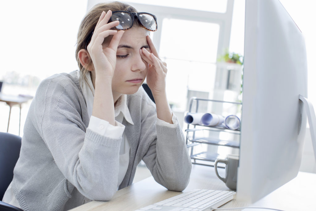 Long hours of screen time puts strain on your eyes