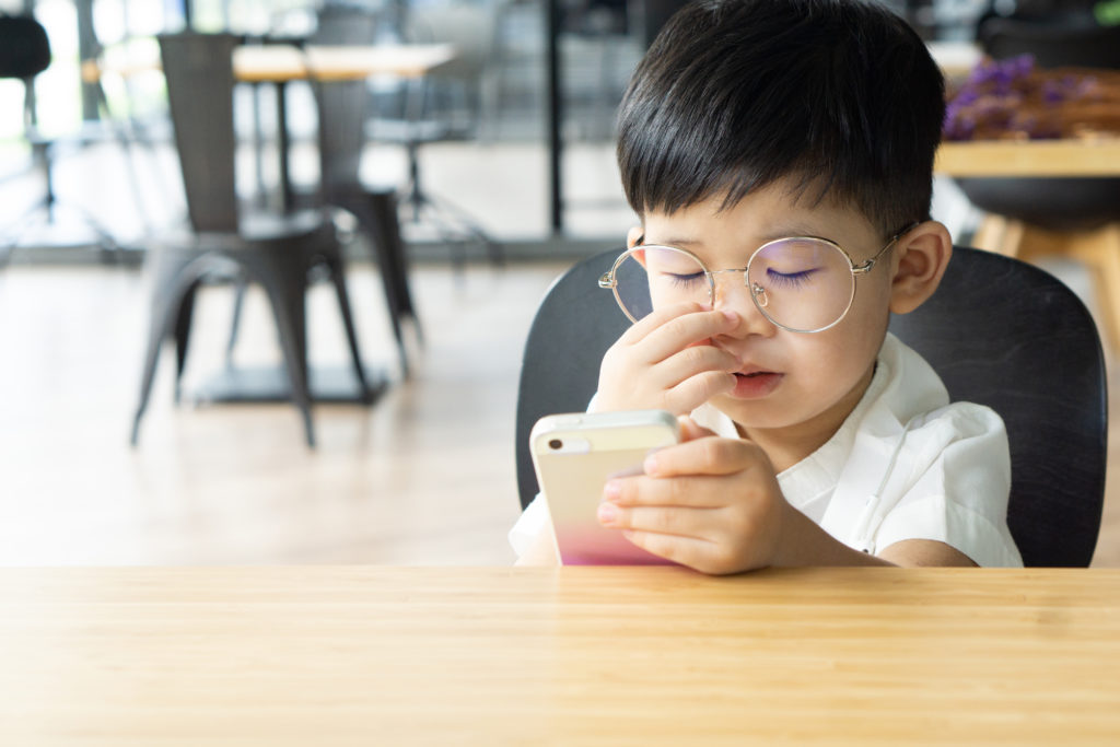 child excessive screen time
