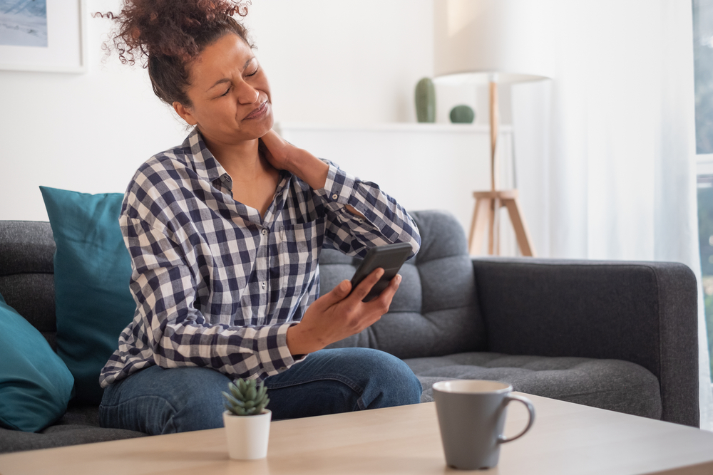 neck pain from smartphone use